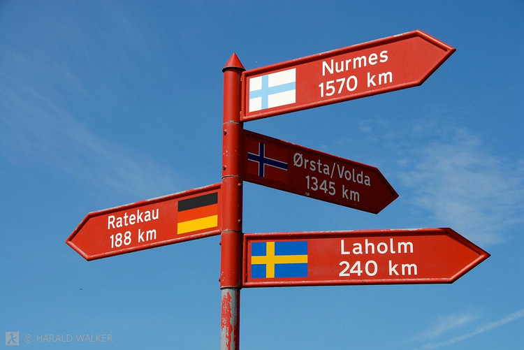Villa Lambros - Distances to and from the villa