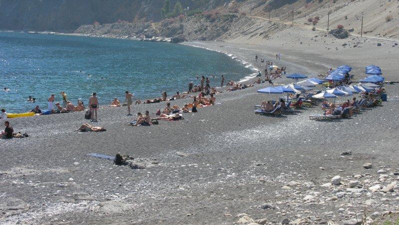 Large coarse sand beach. - Large coarse sand beach.
