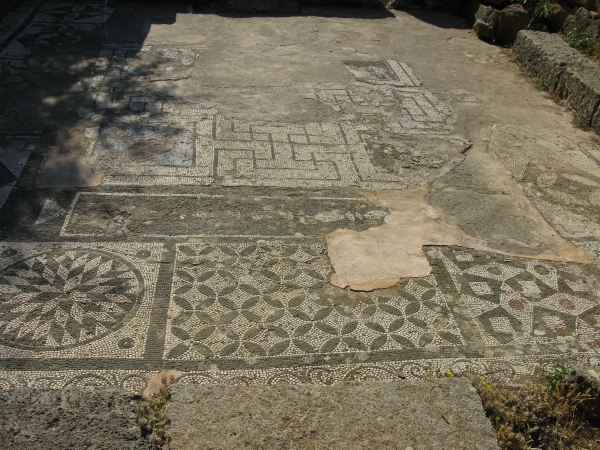 The mosaic at Asklipios Temple. - The mosaic at Asklipios Temple.