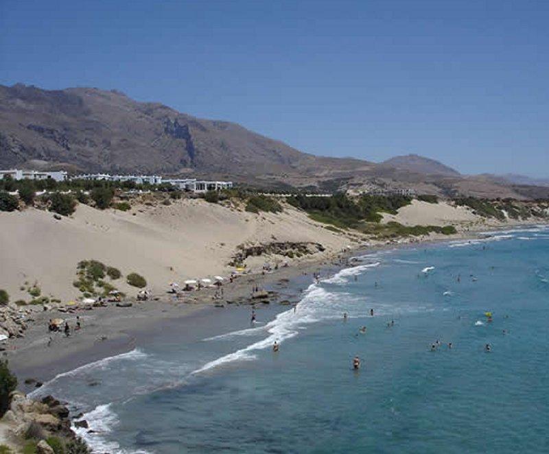 Orthi Ammos beach. - Orthi Ammos beach.