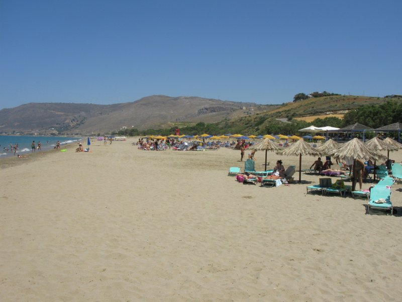 Petres-Episkopi is a very large sandy beach that ends at Georgioupolis - Petres-Episkopi is a very large sandy beach that ends at Georgioupolis