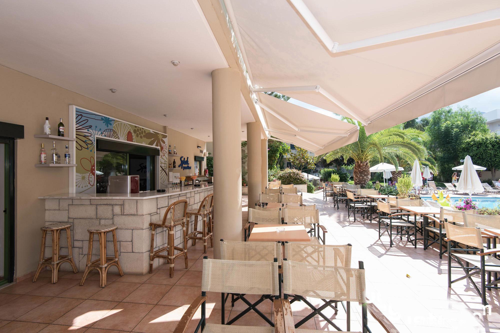 Splash Main bar & Pool Bar