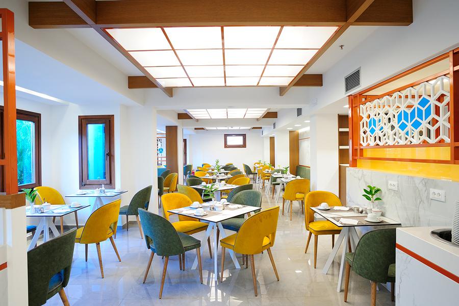 Oinos Restaurant