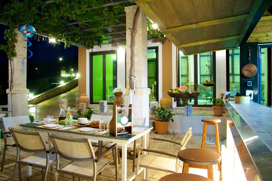 Outdoor - Outdoor dining area
