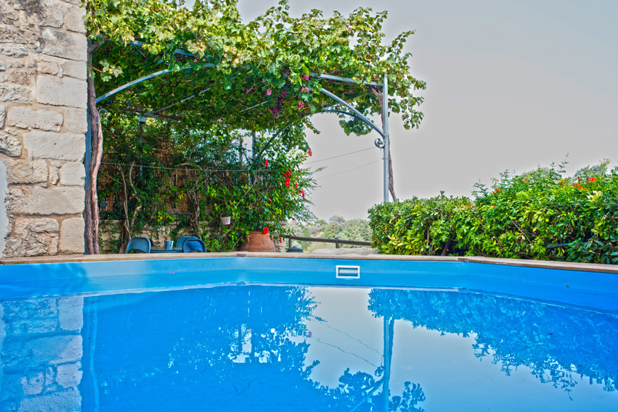 Outdoors - Swimming pool