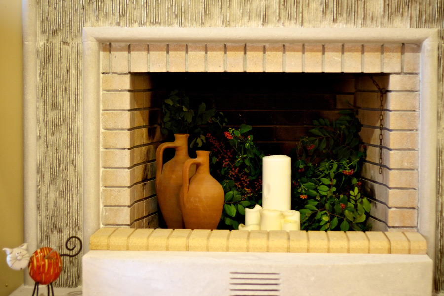 Indoor - Fireplace in the living area