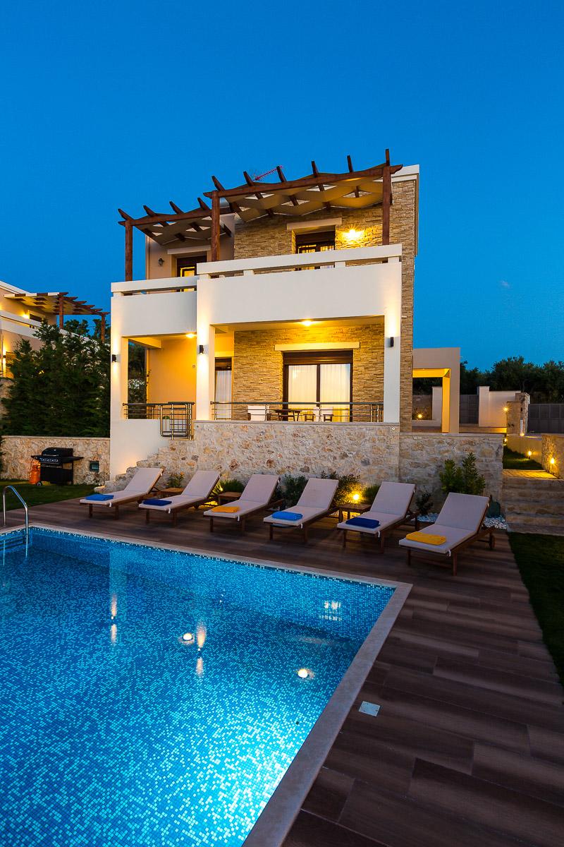 Roupes Villa 2 -