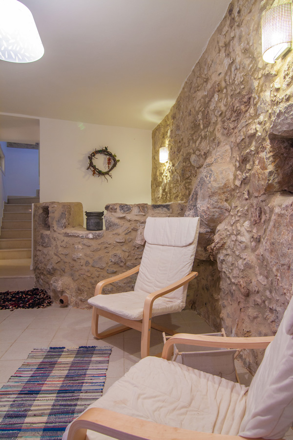 Indoor - The villa is built in the rocks of the mountain!