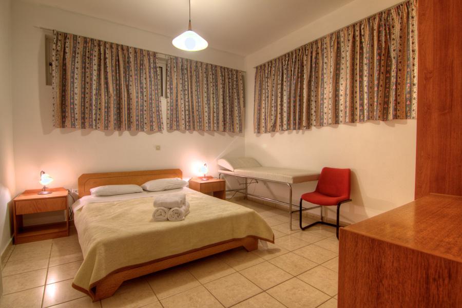 Rooms - Basement double-bedded bedroom