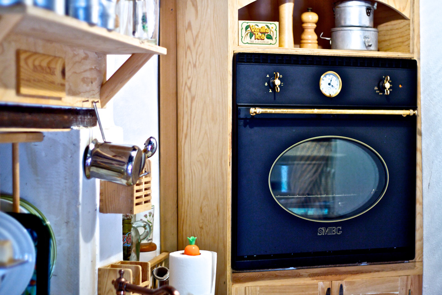 Indoors - Smeg retro-style oven in the kitchen