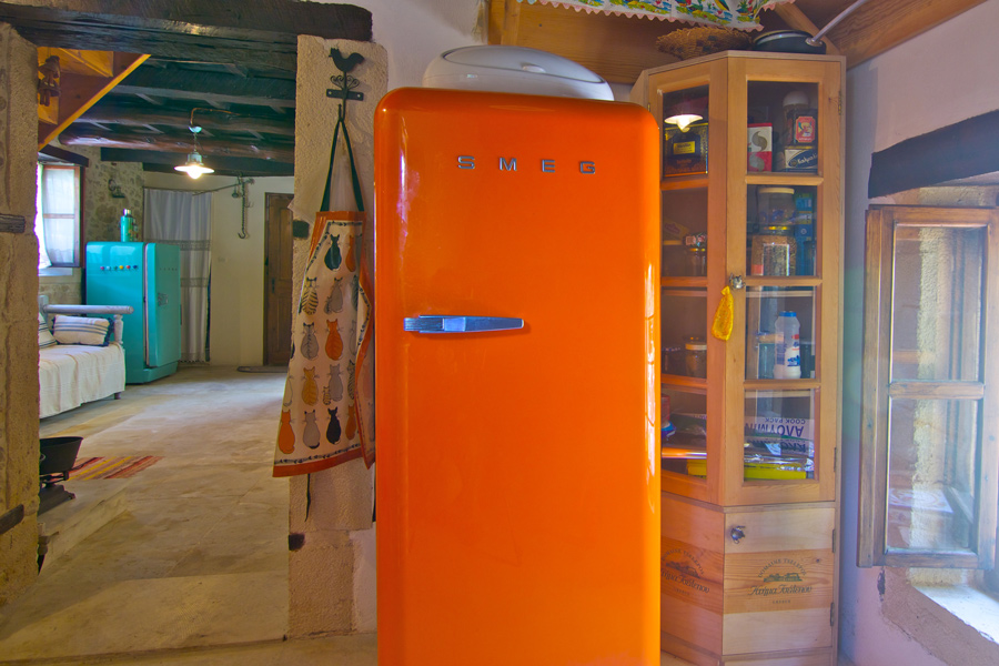 Indoors - Smeg retro-style refrigerator adds a taste in the house!