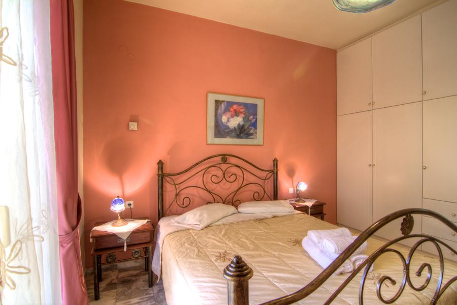 Rooms - Ground floor double-bedded bedroom