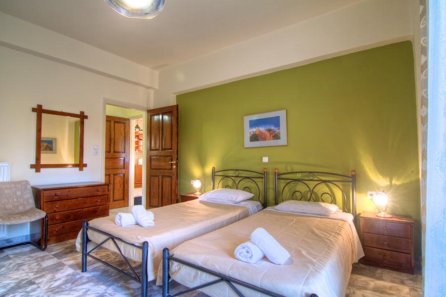 Rooms -  Ground floor Twin Bedroom with en-suite WC