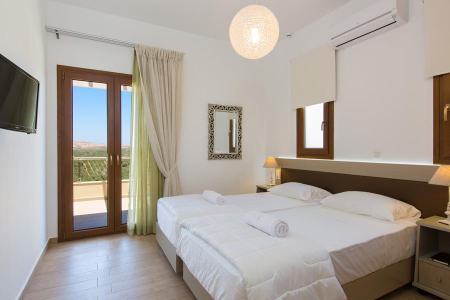 Indoors Villa 2 -