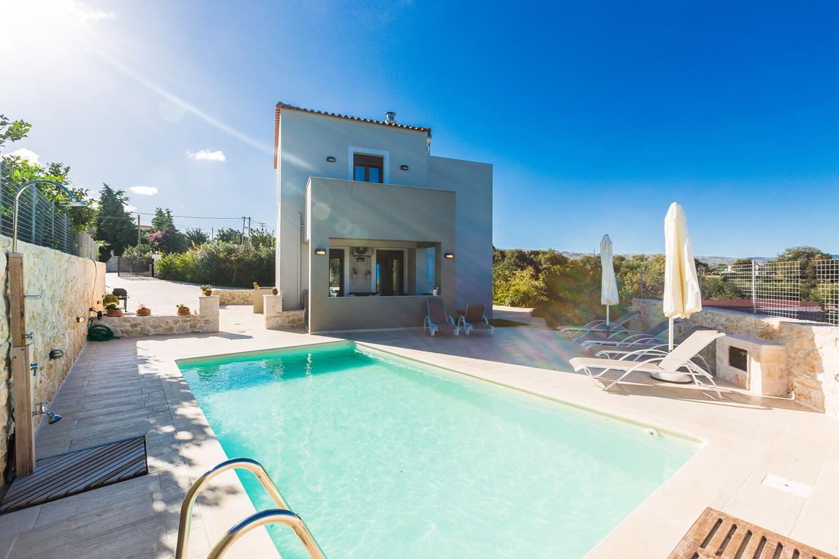 Villa 2 Outdoors -