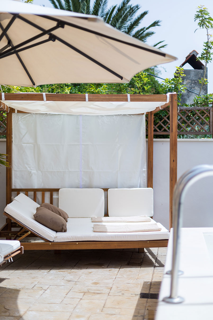 Outdoor - Gazebo bed added in 2016!