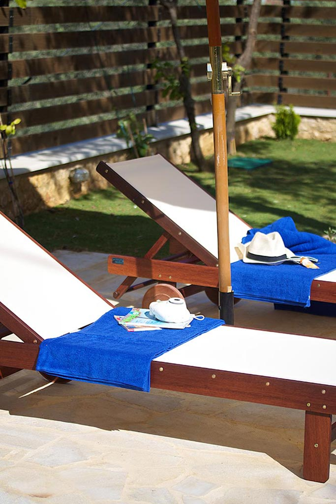 Outdoors - Enjoy sunbathing and relaxing at pool side