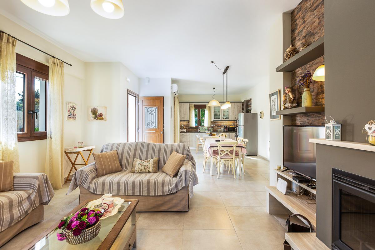 Villa 2 Indoors -
