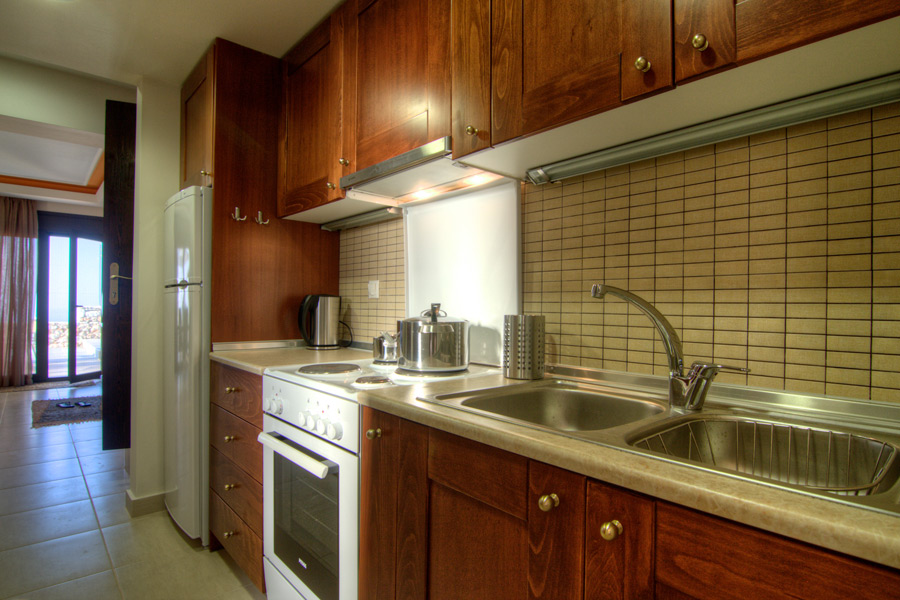 Indoor - Fully equipped kitchen