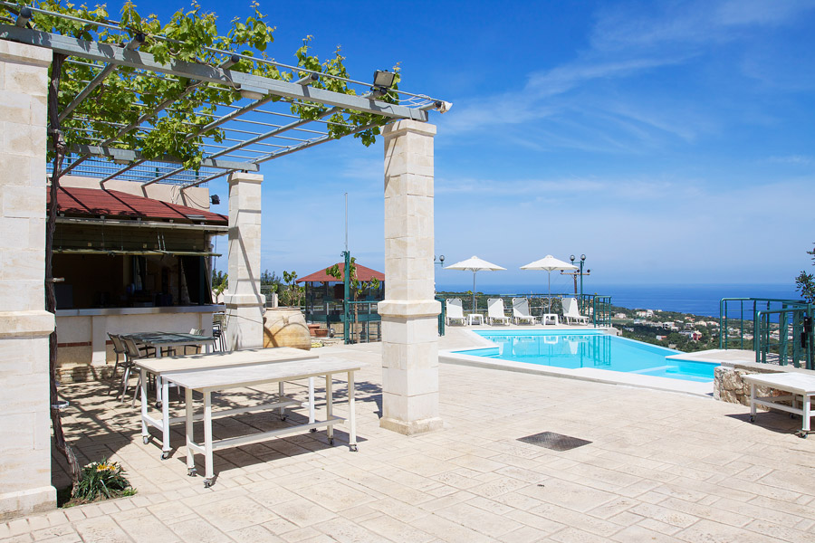 Outdoor - Swimming pool and gerden
