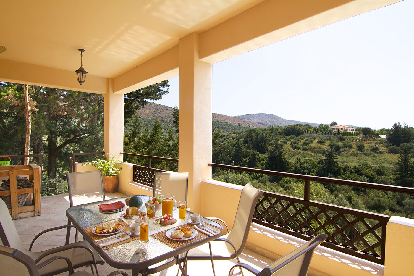 Outdoors - Veranda and sitting area