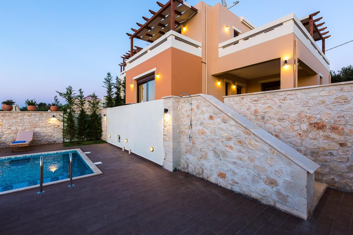 Roupes Villa 3 -