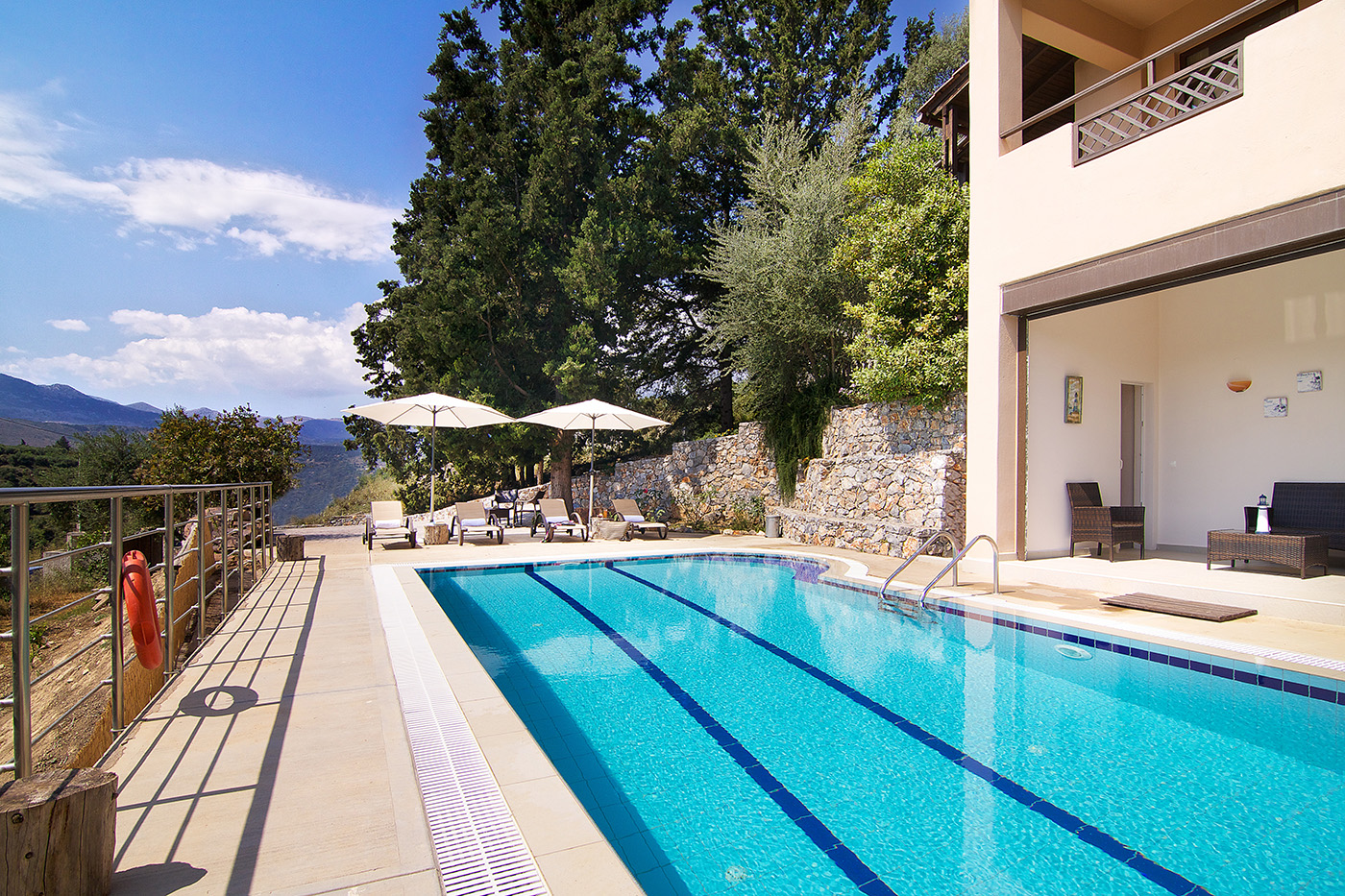 Outdoors - Private swimming pool