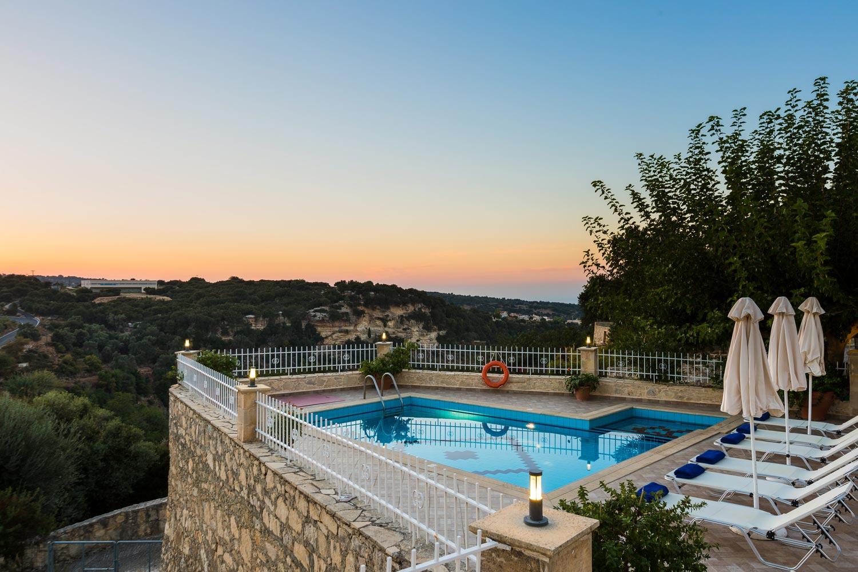 Antigoni Villa -