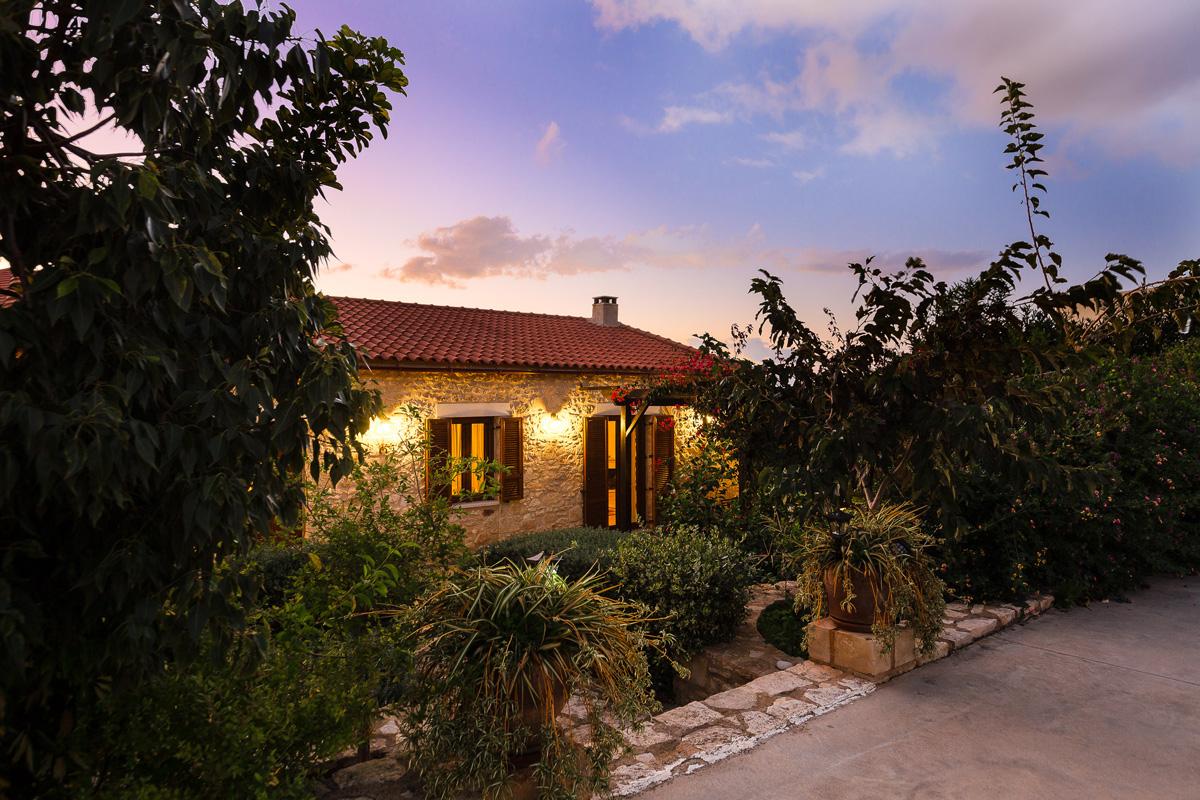 Villa 1 Outdoors -
