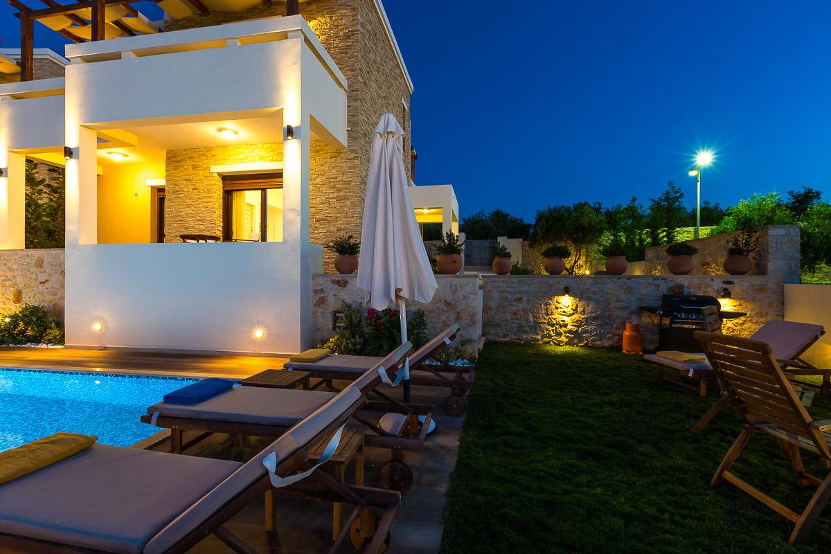 Roupes Villa 1 -